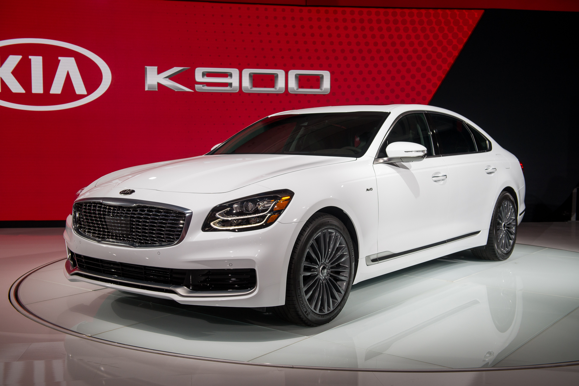 2019 Kia K900 Video First Look: 2018 New York Auto Show - 2022 Kia K900 For Sale, Release Date, Gas Mileage
