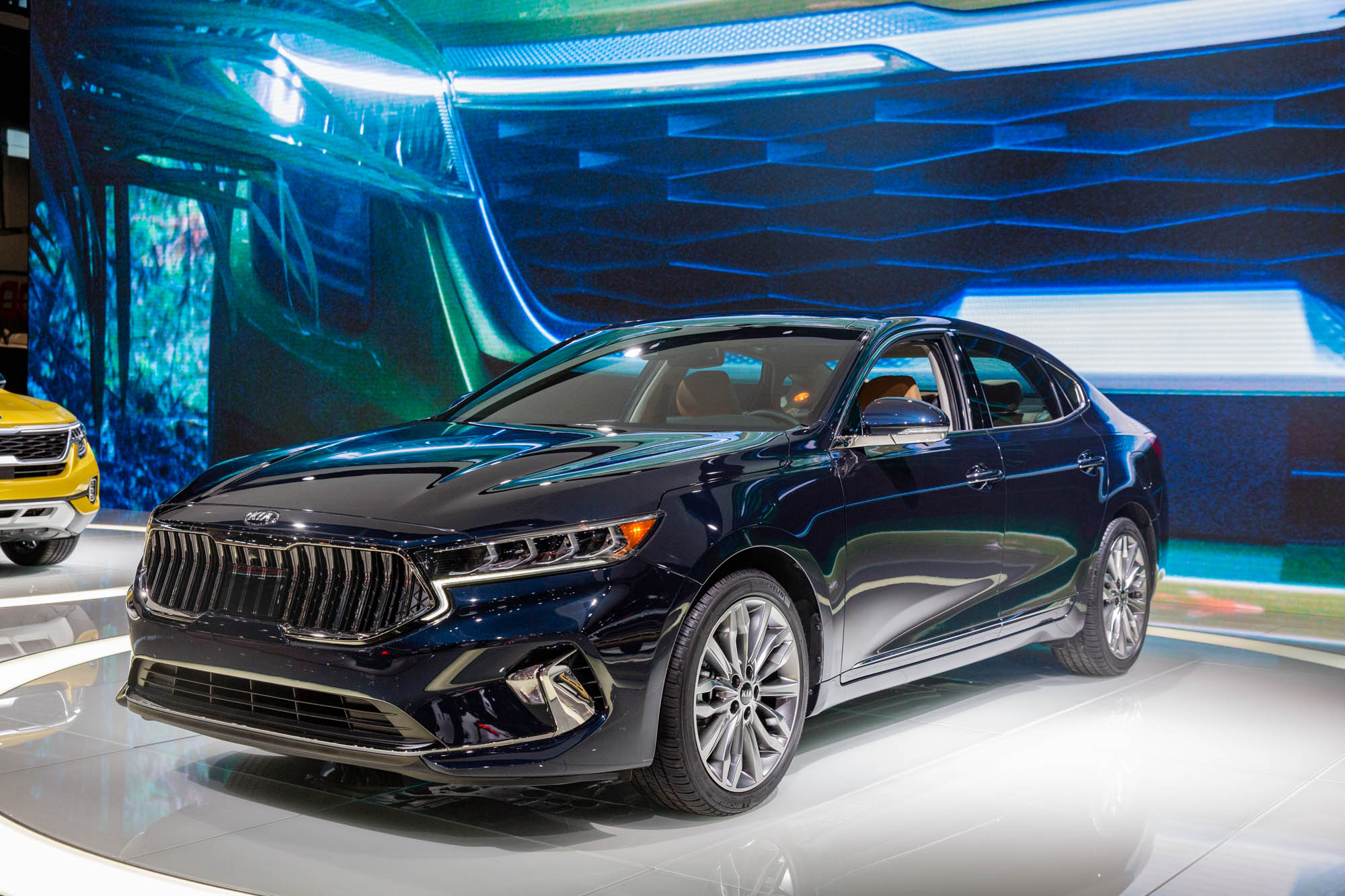 2020 Kia Cadenza Gets Better Looking, More Driver-Assistance - 2022 Kia Cadenza Limited Automatic Feature, Specs