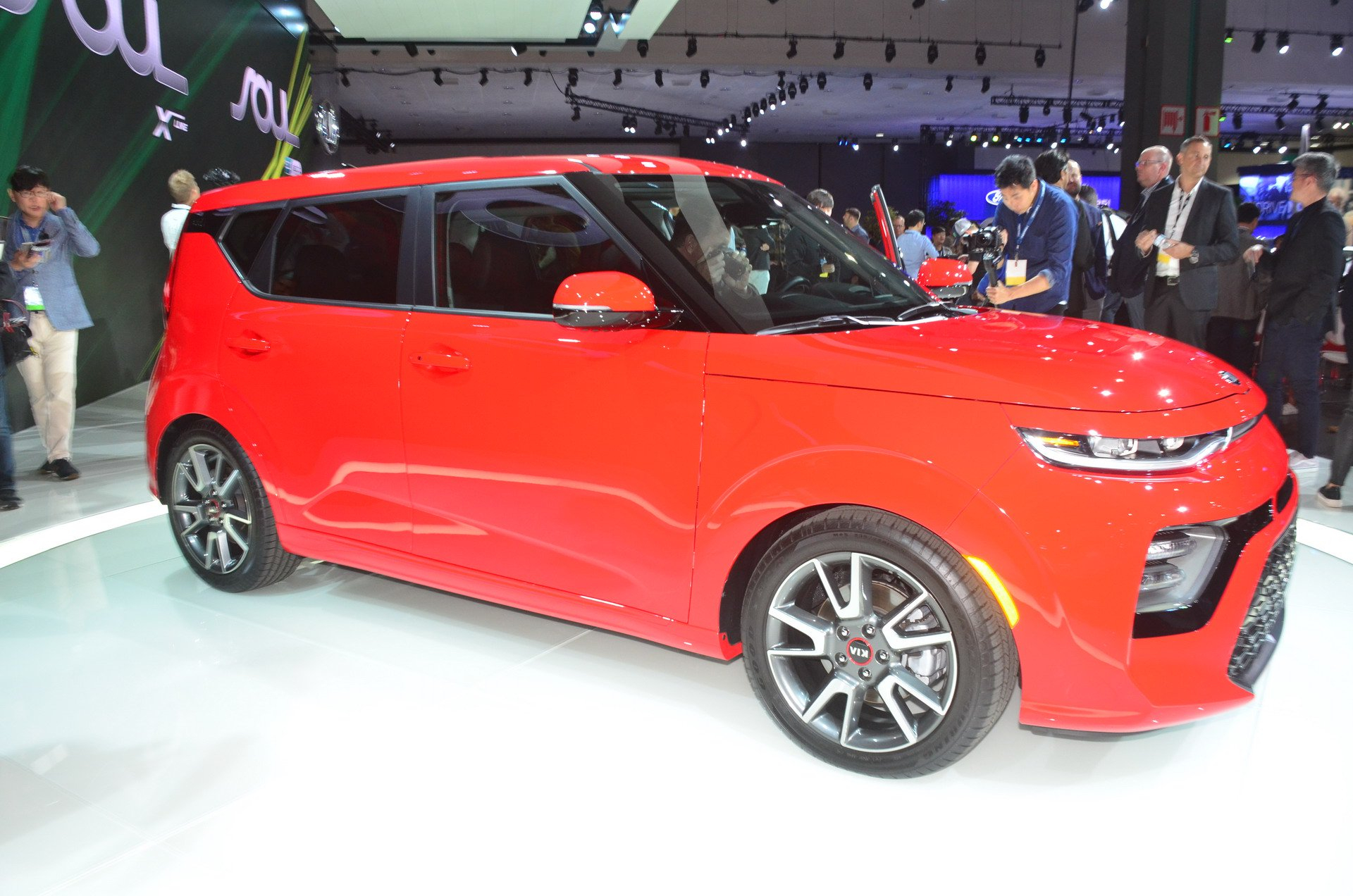 2020 Kia Soul Unveiled With New Design And An Electric - 2022 Kia Soul Red Color Concept, Premier Specs, Rumor