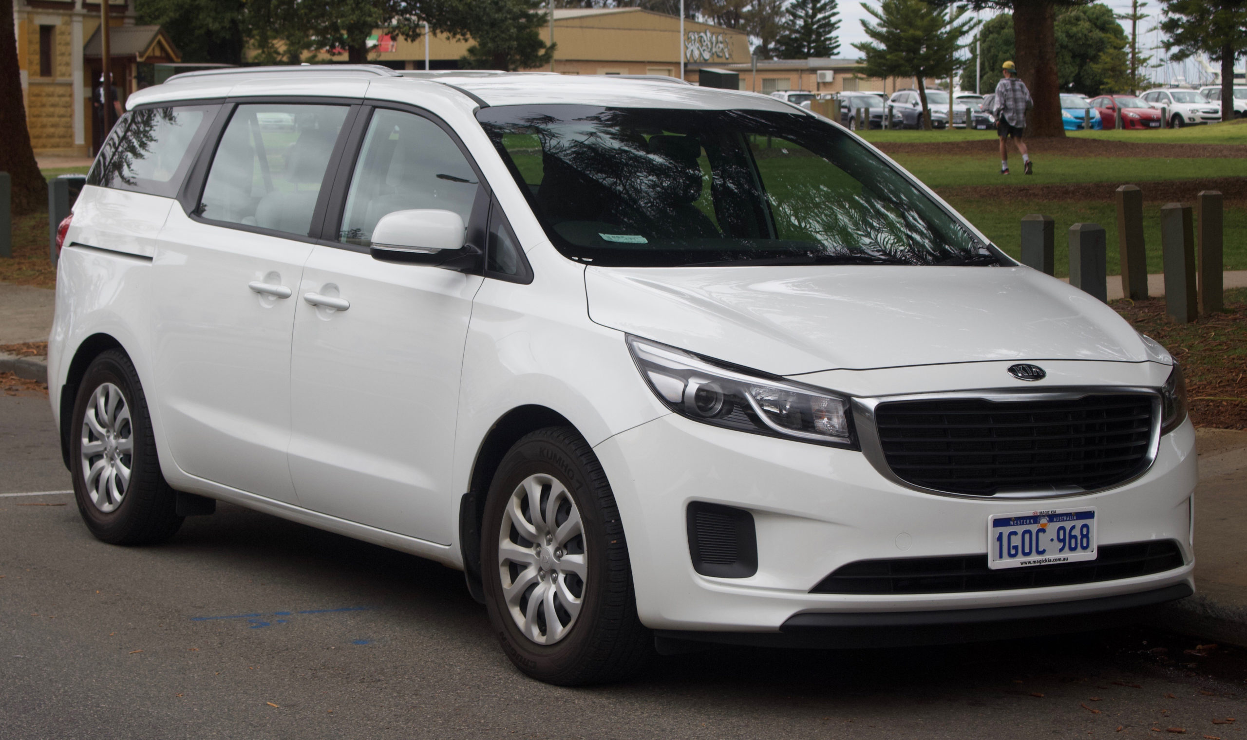 Kia Carnival - Wikipedia - Kia Sedona 2022 Uk Transmission Options, Release Date